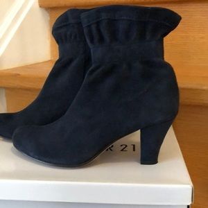 Bacarolle suede boots size 38.5